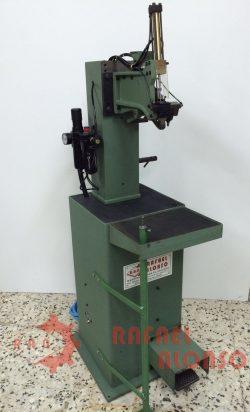 Máquina montar enfranques con clavo(1)