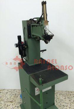Máquina montar enfranques con clavo(3)