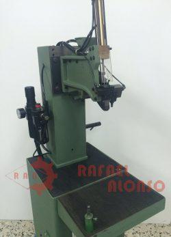 Máquina montar enfranques con clavo(4)
