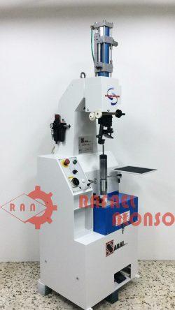 Máq.prefijar tacones atornillados SABAL 7800 1