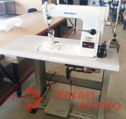 Máq.coser de columna REFREY 1177 1